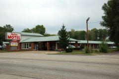 Old US 40: Skyline Motel, east Washington Street.