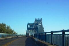 Crossing the old US 231 bridge into Owensboro