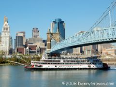 Delta Queen departing Cincinnati