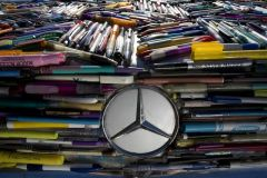 Grill on Mercedes Pens