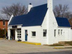 Pure Gasoline station, Delaware, Ohio