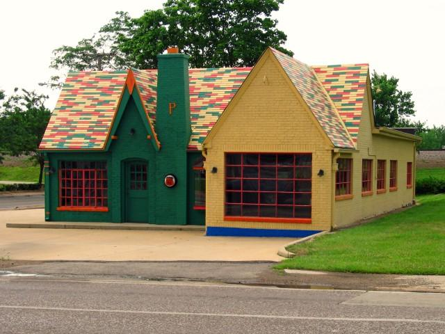 Restored Phillip's 66 Station - Cuba, MO