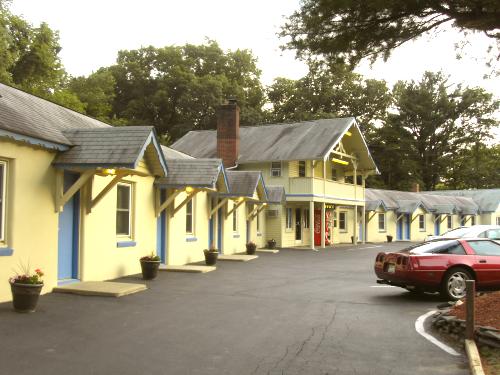 Scottish Inn, Milford, PA
