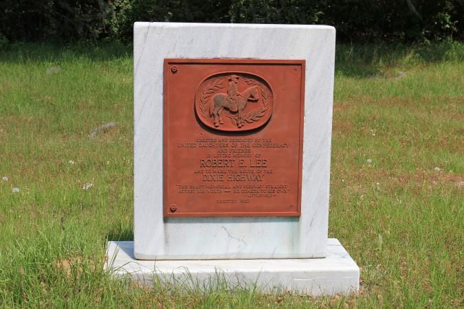 Dixie Highway Monument 10 - Bradfordville, FL