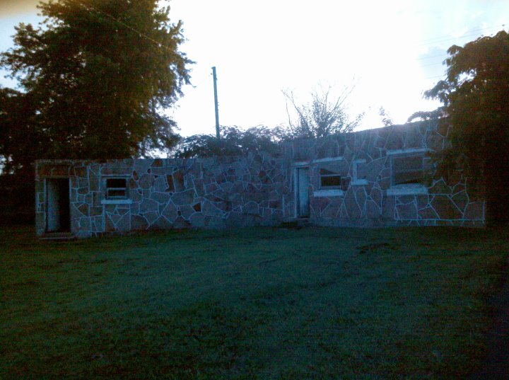 Rock Court Motel