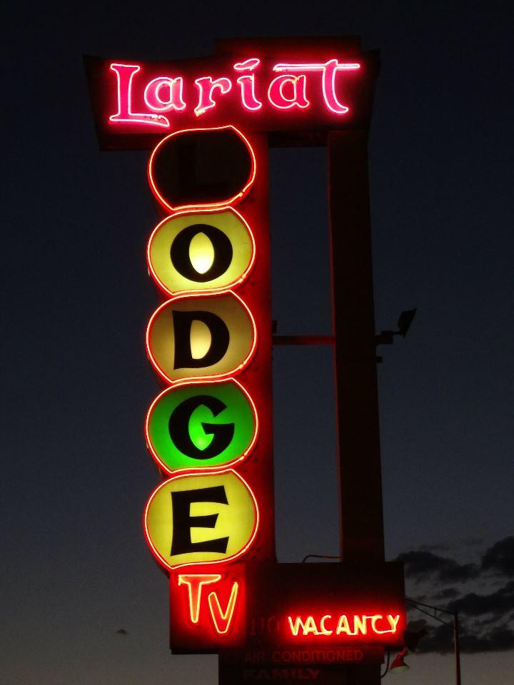 Lariat Lodge