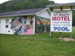 Lil Abner Motel Sign And Mural