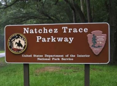 Natchez_Trace_Sign